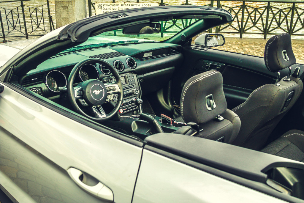 Ford Mustang Cabrio 2016 - Int3
